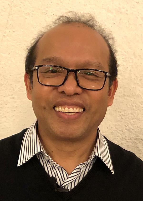 Pfarrer Devis Don Wadin SVD